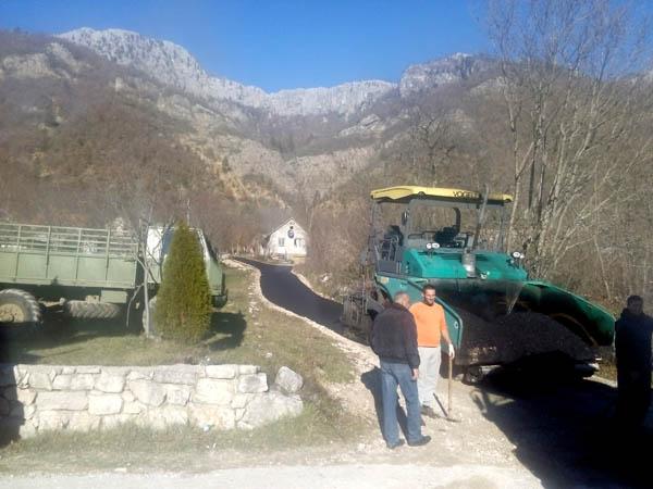 Danas počelo asfaltiranje po selima